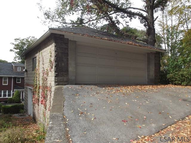 Garage-Detached